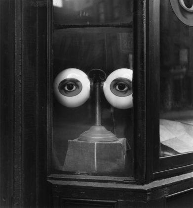 Optician's Window, New York, ca. 1939, gelatin-silver print