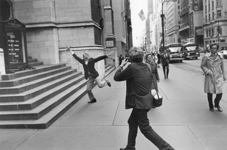 Garry Winogrand and John Szarkowski, New York City, 1975, gelatin-silver print